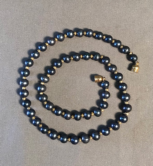 FWP 185 Single black pearl 7.5 -7.8 mm necklace 51cm long w/magnetic clasp.