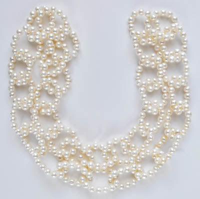 FWP 225 Freshwater pearl 6mm necklace 100cm long made of mini necklace pearl links.