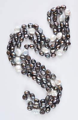 FWP 227 Long necklace of grey freshwater pearls 165 cm in length.