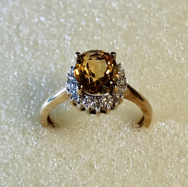 RIN 087 Gold 9k. ring w/citrine and diamonds size O.
