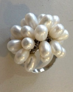RIN 152 White pearl flower ring big size N.