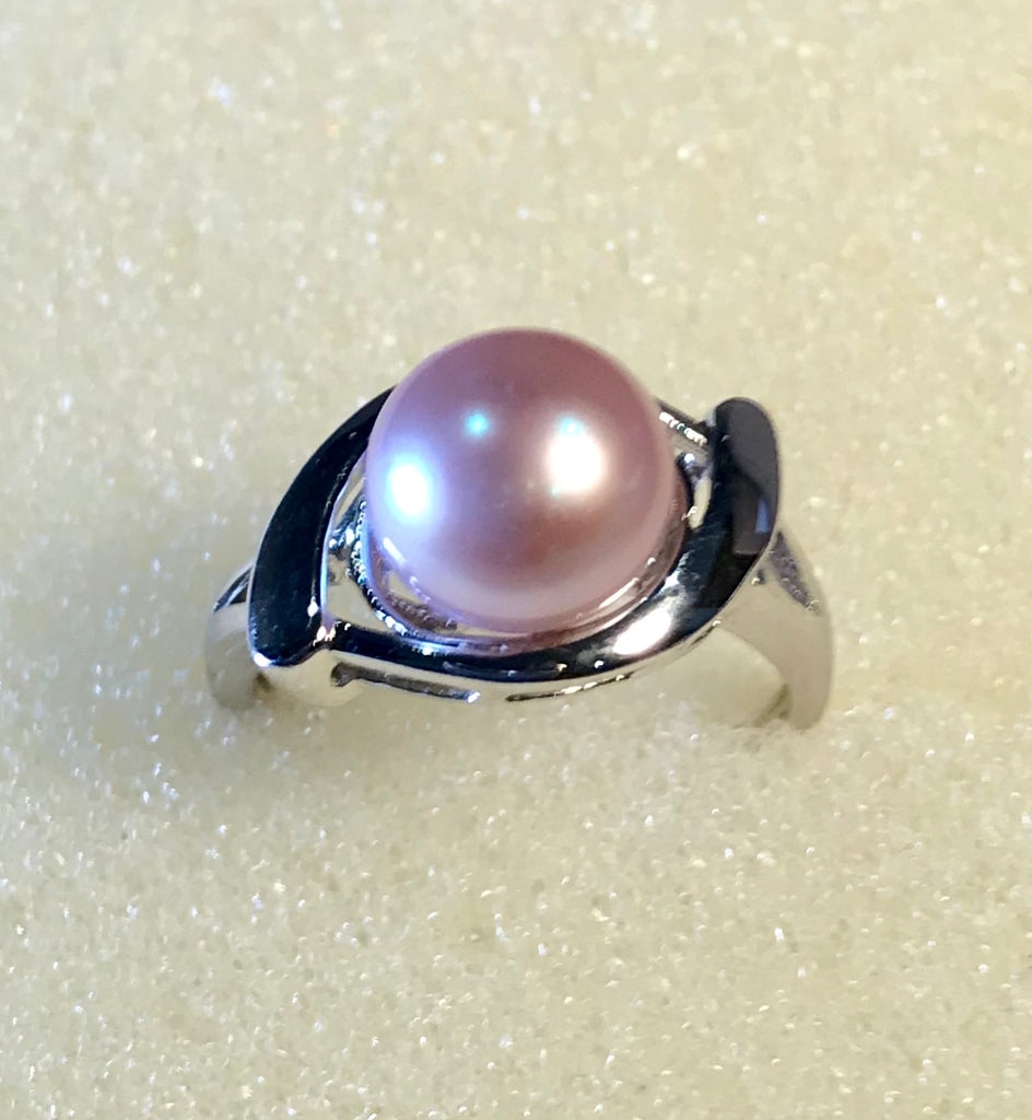 RIN 158 Silver grey pearl 8.5mm on silver ring size O-.