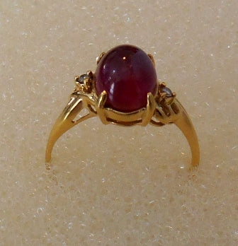 RIN 212 Gold 18k.ring w/diamonds and ruby stone size N.