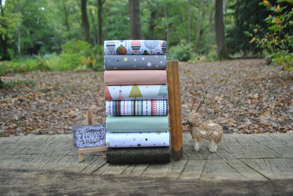 The 'Lili' Fat Quarter Bundle - Modern Metallic Christmas - Makower
