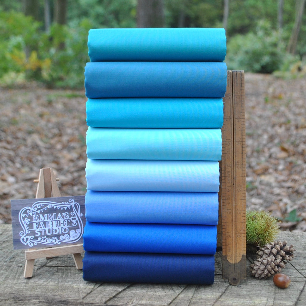 The 'Blue' Fat Quarter Bundle - Spectrum Solids - Makower