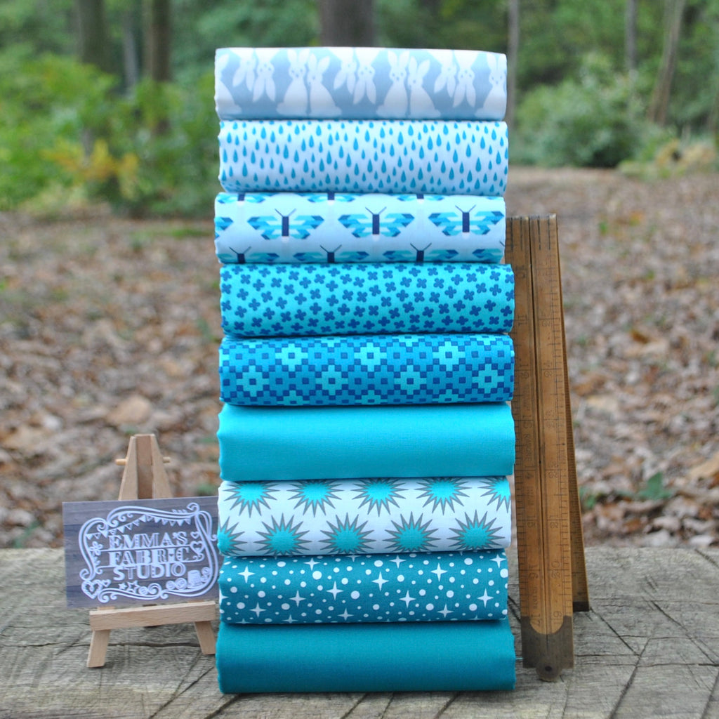 The 'Elizabeth Hartman BRIGHT BLUE' Fat Quarter Bundle - Robert Kaufman