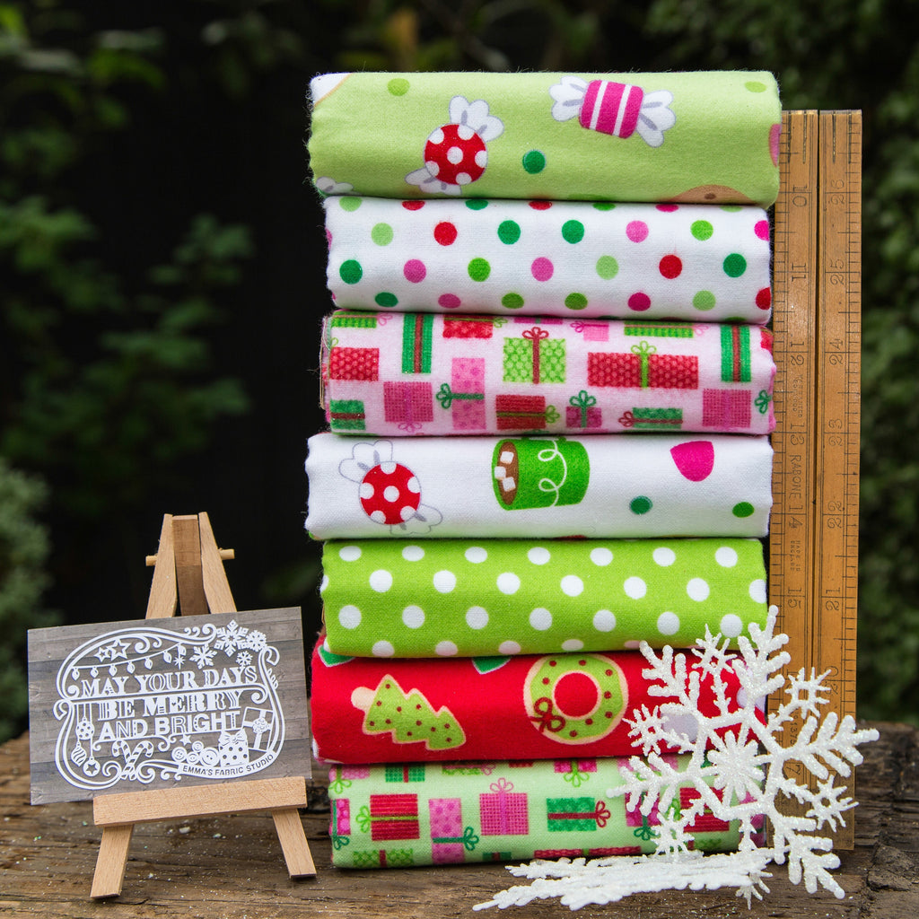 The 'Alison' Fat Quarter Bundle – Christmas Candy – Riley Blake Designs