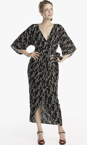 Stylized Feather Twisted Midi in Black + White