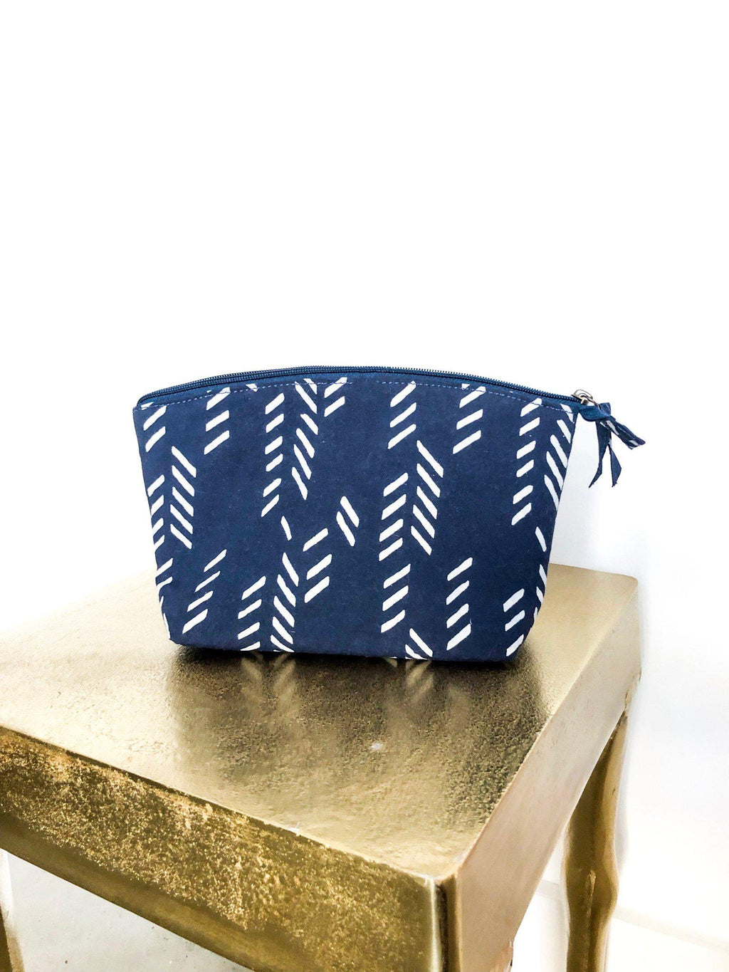 Art Deco/Stylized Feather Makeup Bag in Navy & Cream