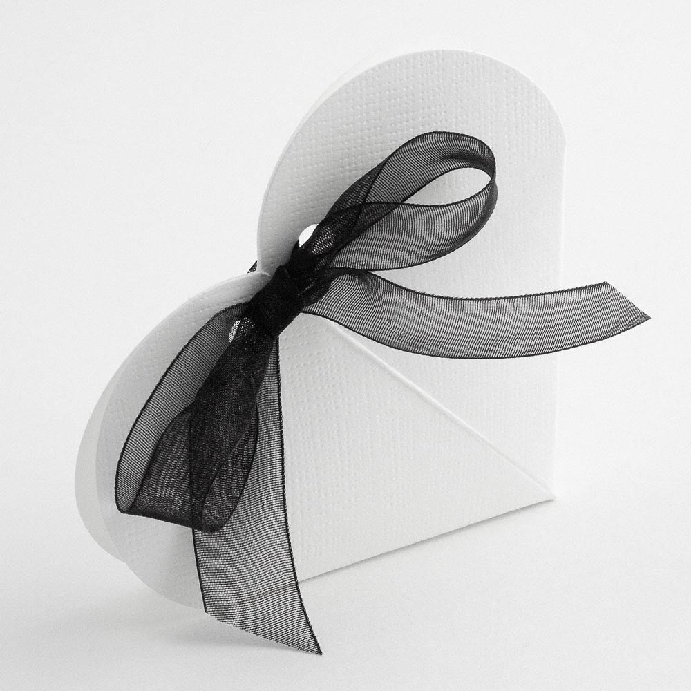 Heart Favour Box in White - Wedding Boutique