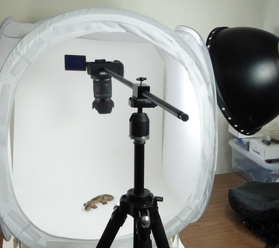 ALZO Horizontal Camera Mount for Overhead Photography in photo tent