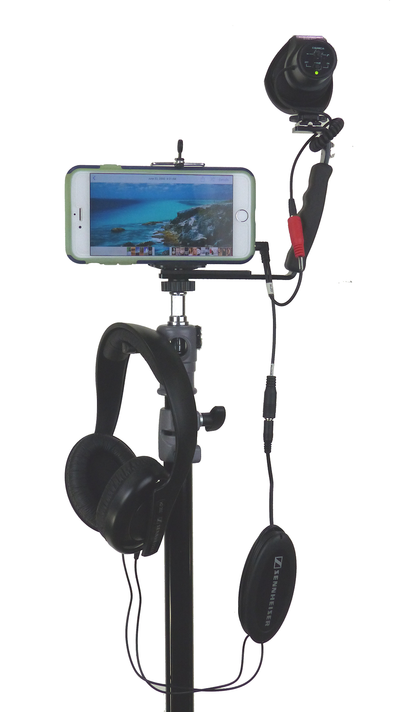 Smartphone Streaming Video Rig with COMICA CVM-V30 Shotgun Microphone and Breakout Cord on stand