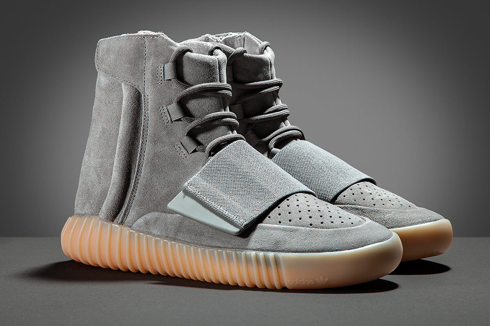 Yeezy Boost 750 Light Grey Pair