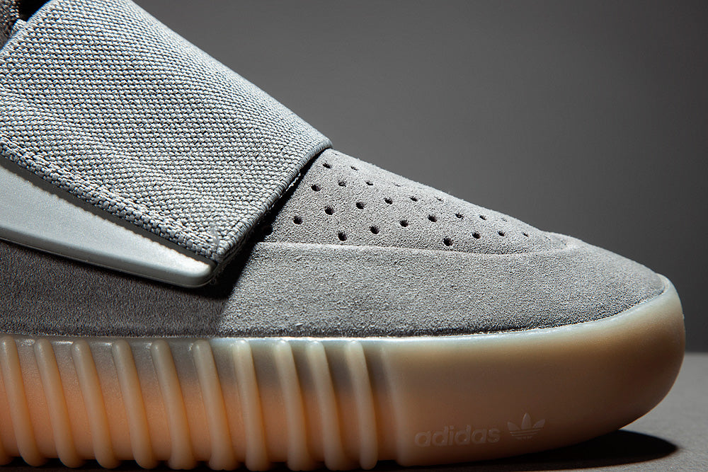 Yeezy Boost 750 Light Grey Toes