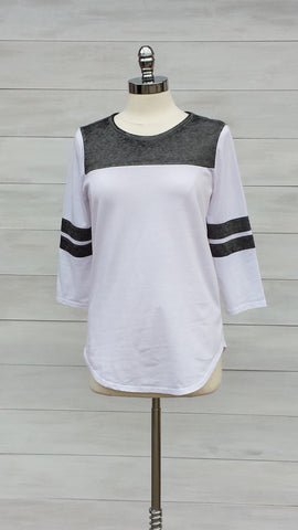 Striped sleeve colour block top with 3/4 sleeves. Grey/White. Mexx