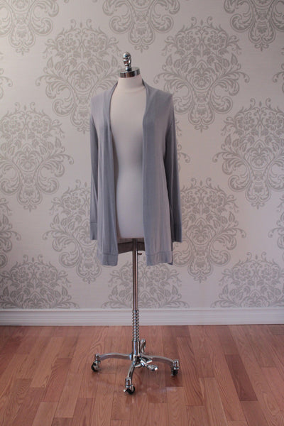 Lightweight belted cardigan. Pale Grey. Diabolika