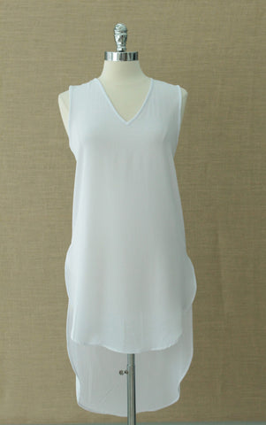 Elegant tunic length sleeveless top. Diabolika. White