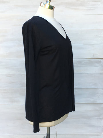 Soft v neck long sleeved top. Press. Black