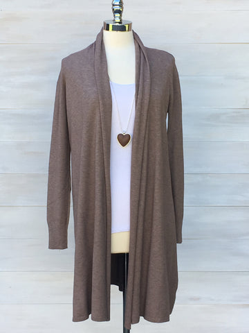 Cashmere Touche cardigan from Diabolika. Taupe