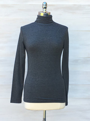 Turtleneck long sleeved top. Dark Grey. ICHI