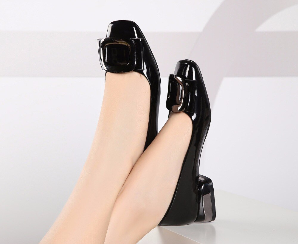 Patent Leather Low-heeled Pumps