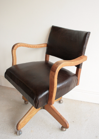 Captains Swivel Chair in Aged Oak and Italian Leather Circa 1940 - TheRetroStation  - 1