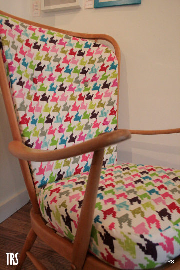 1950's Ercol Windsor Vintage arm chair - TheRetroStation  - 3