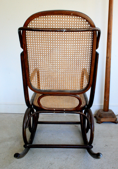 1930's Rocking chair Thonet style with rare shaped rockers