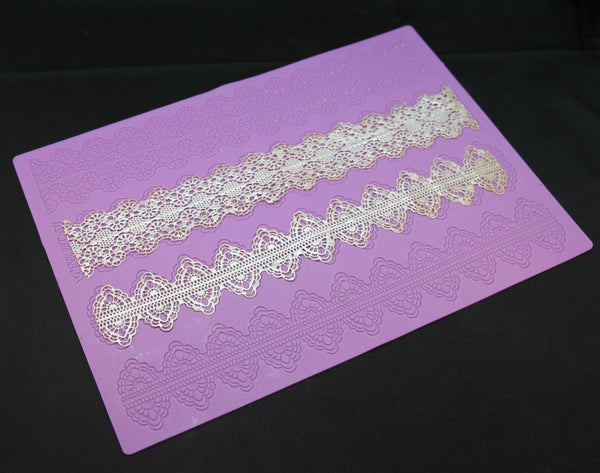 Narrow Bands Lace Mat