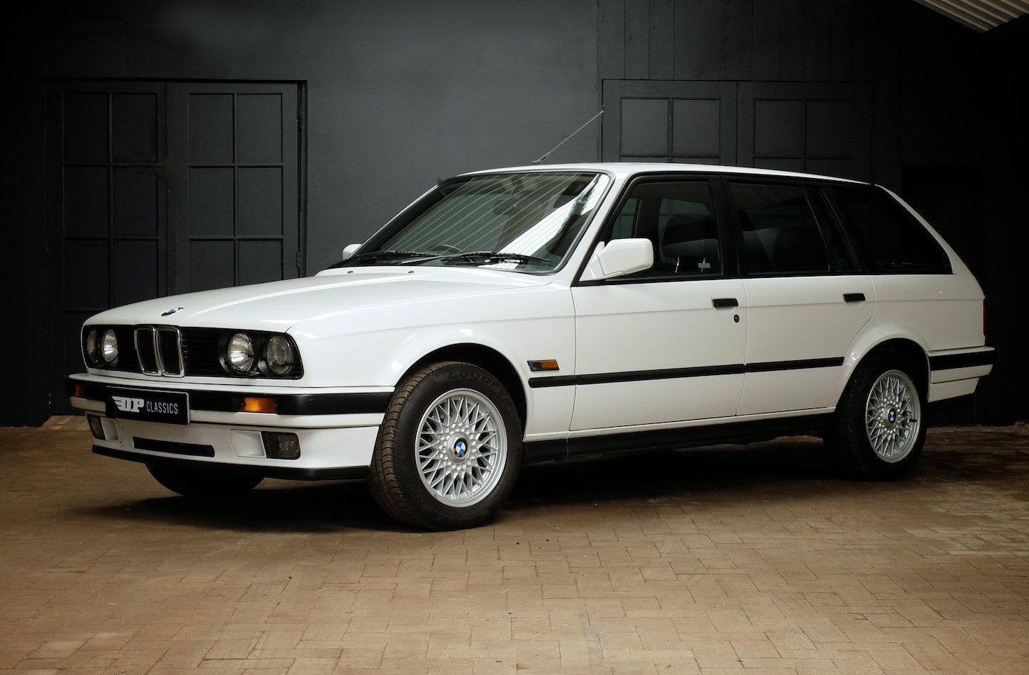 bmw e30 325i touring 1989 drew pritchard classics. Black Bedroom Furniture Sets. Home Design Ideas