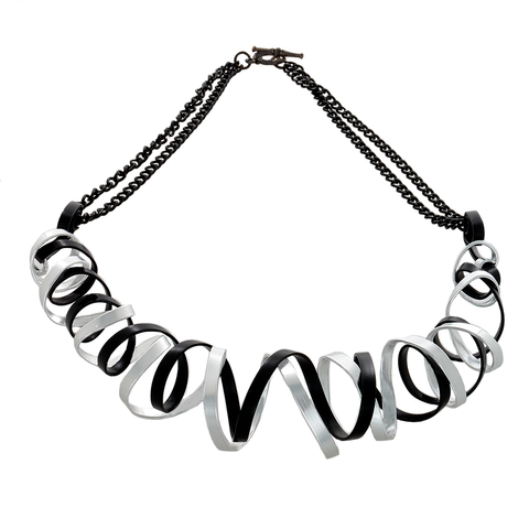 Curve Wave Wire Necklace in Black and Silver