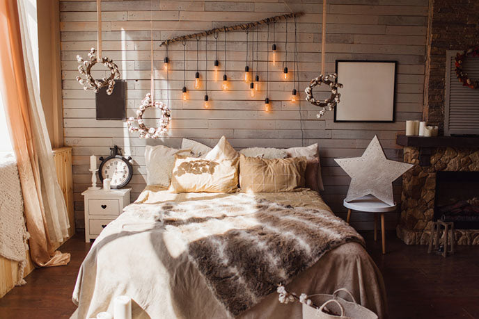 bedroom with soft blankets