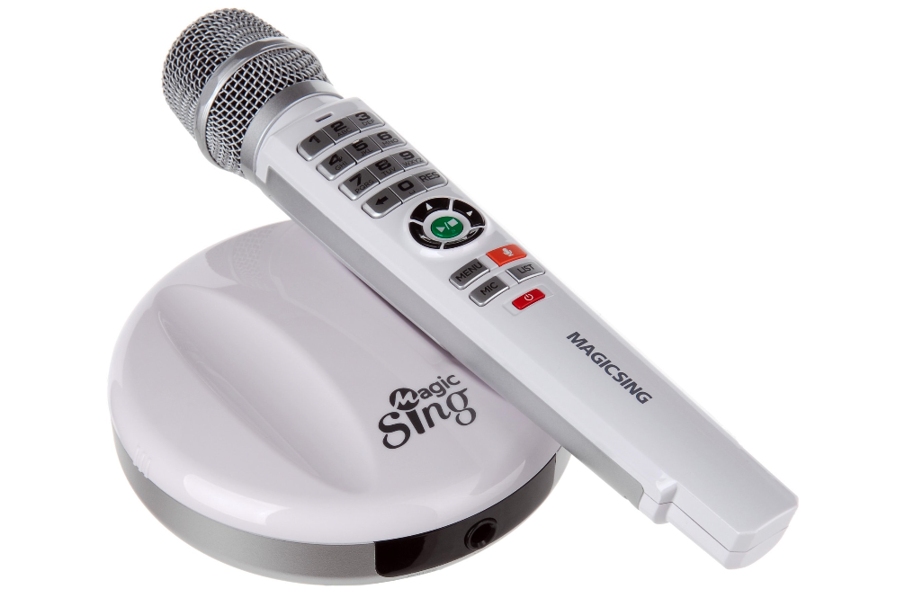 Karaoke Streaming in 14 languages with Subscription included and 2 microphones