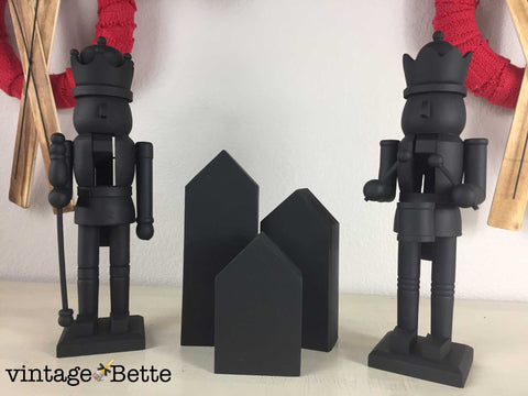 Martha Stewart Inspired Chalkboard Nutcrackers by Vintage Bette