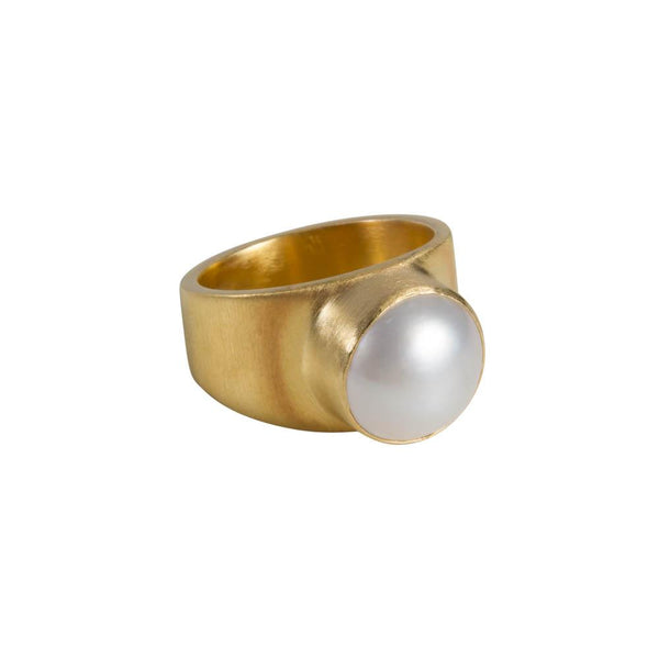 Fairley Pearl Dome Ring - Gold