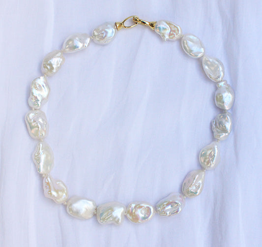 Venus Baroque Pearl Choker - Yellow Gold