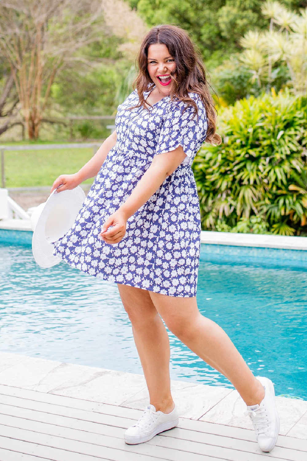 short-summer-dress-floral-blue-white