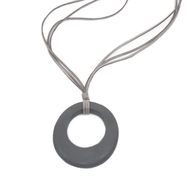 grey-oval-pendant-necklace