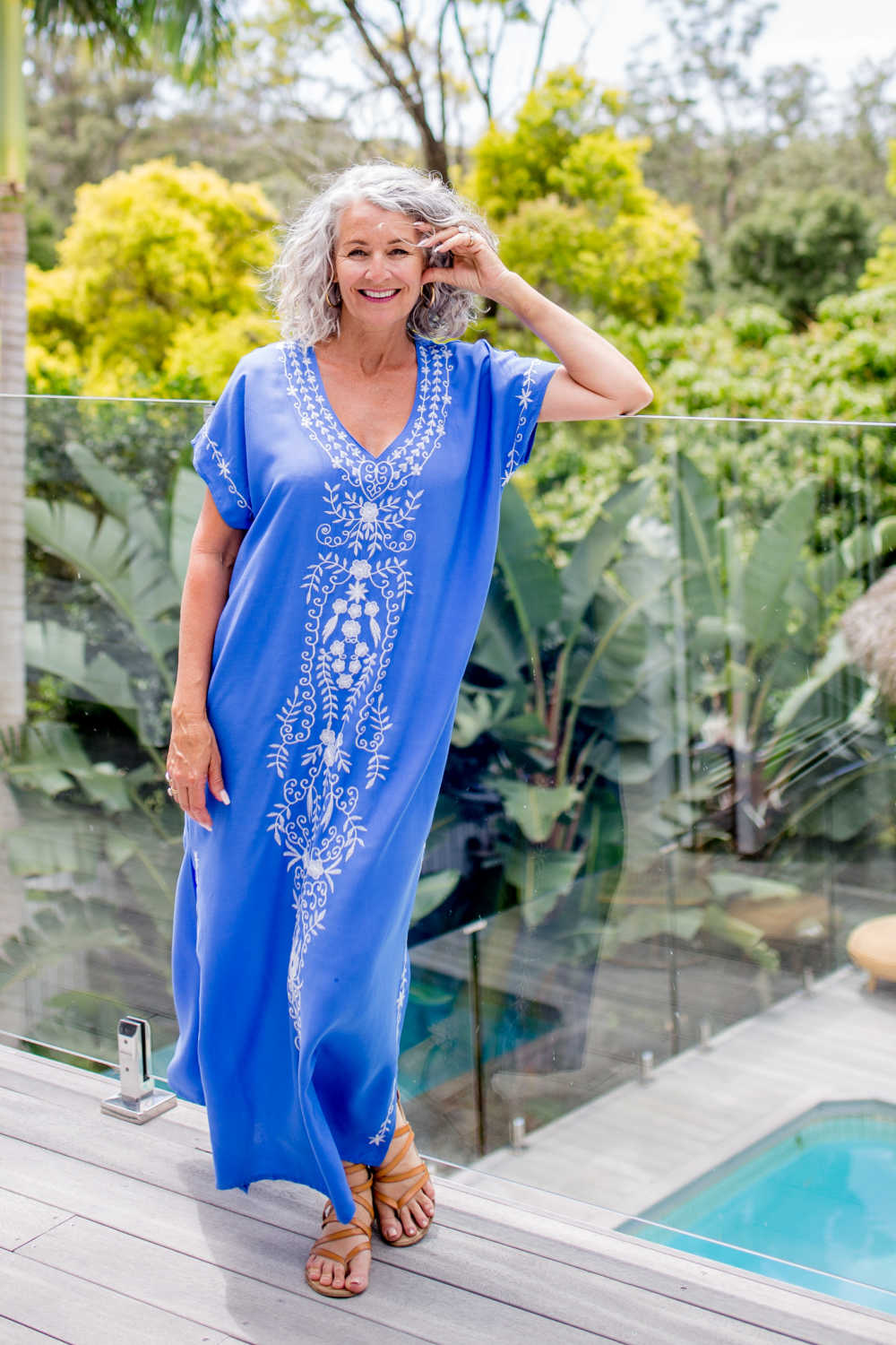 maxi-kaftan-dress-blue-white-embroidery