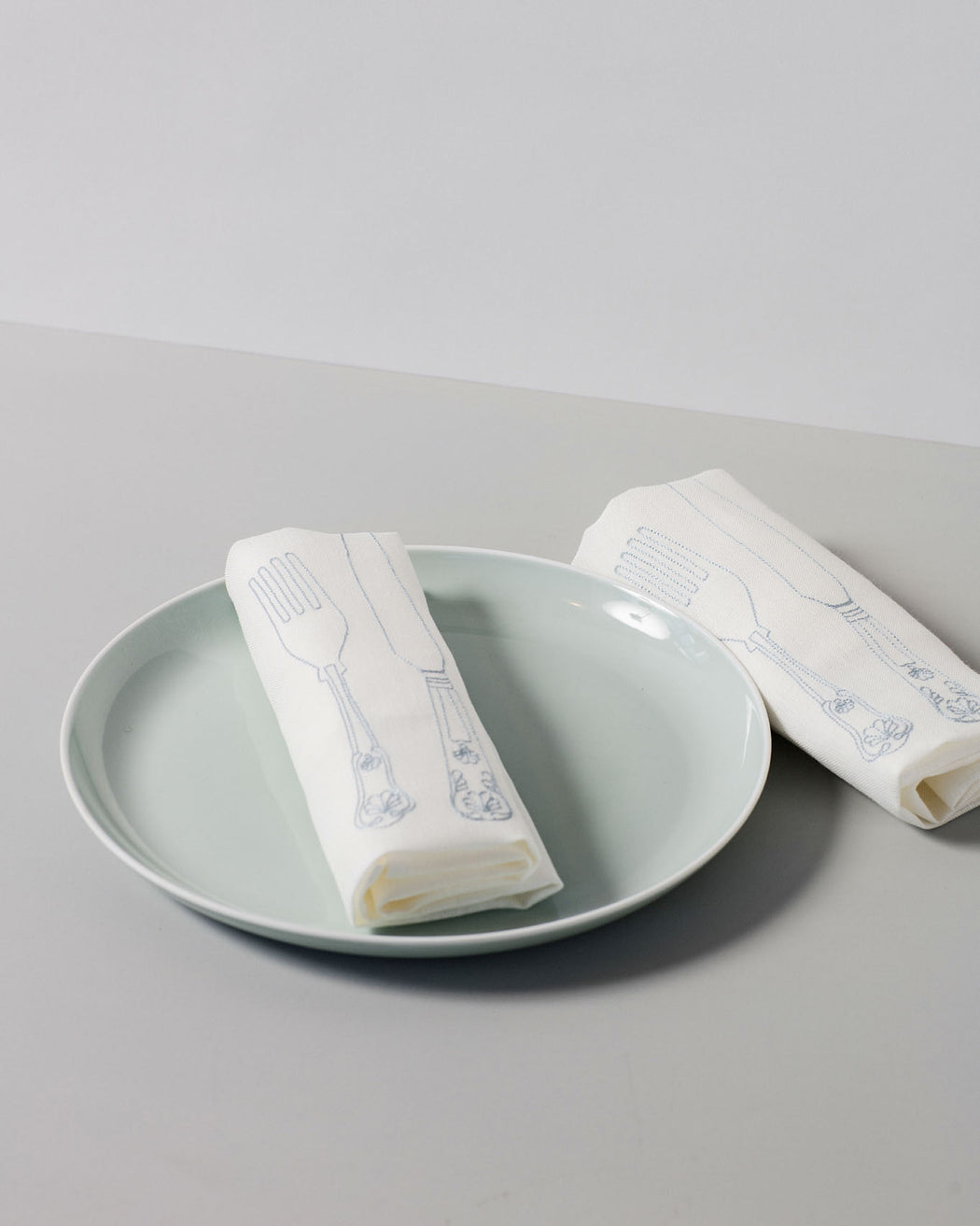 'Silver Service' Irish Linen Table Runner & 6 x Napkin Gift Set