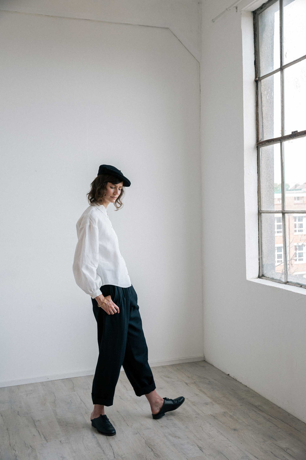 MADE TO ORDER - NORA IRISH LINEN TOP WITH EMBROIDERED COLLAR