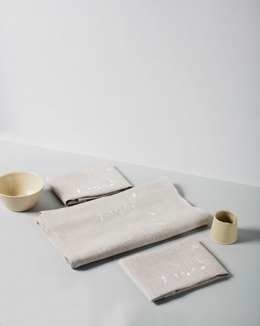 'Irish Wildflower' Natural Irish Linen Table Runner & 12 x Napkin Gift Set