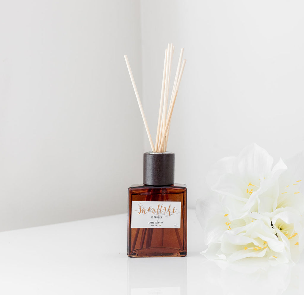 Snowflake Winter Season Room Diffusers Set in Decorative Brown Square Vase, Natural Dyed Reeds and Packed in Kraft Box