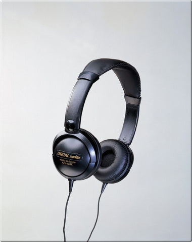 Audio Technica - Mid-size Closed-back Dynamic Stereo Headphones