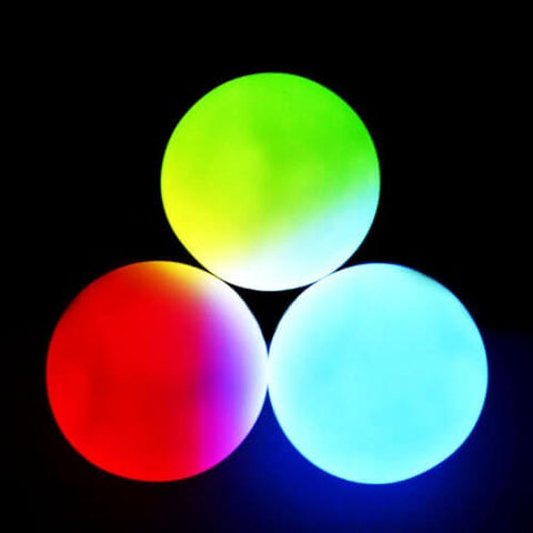 GloFX - 78 mm Professional LED Juggling Balls in use dark