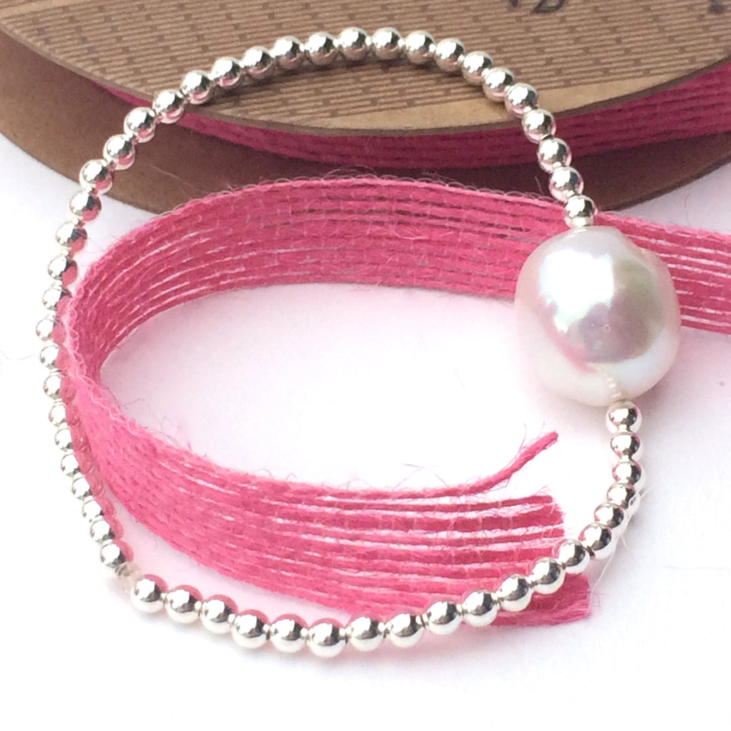 Sterling Silver Stretch Bracelet with large Freshwater Pearl