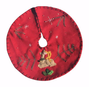 New World Arts Laying Reindeer on Red Background Tree Skirt