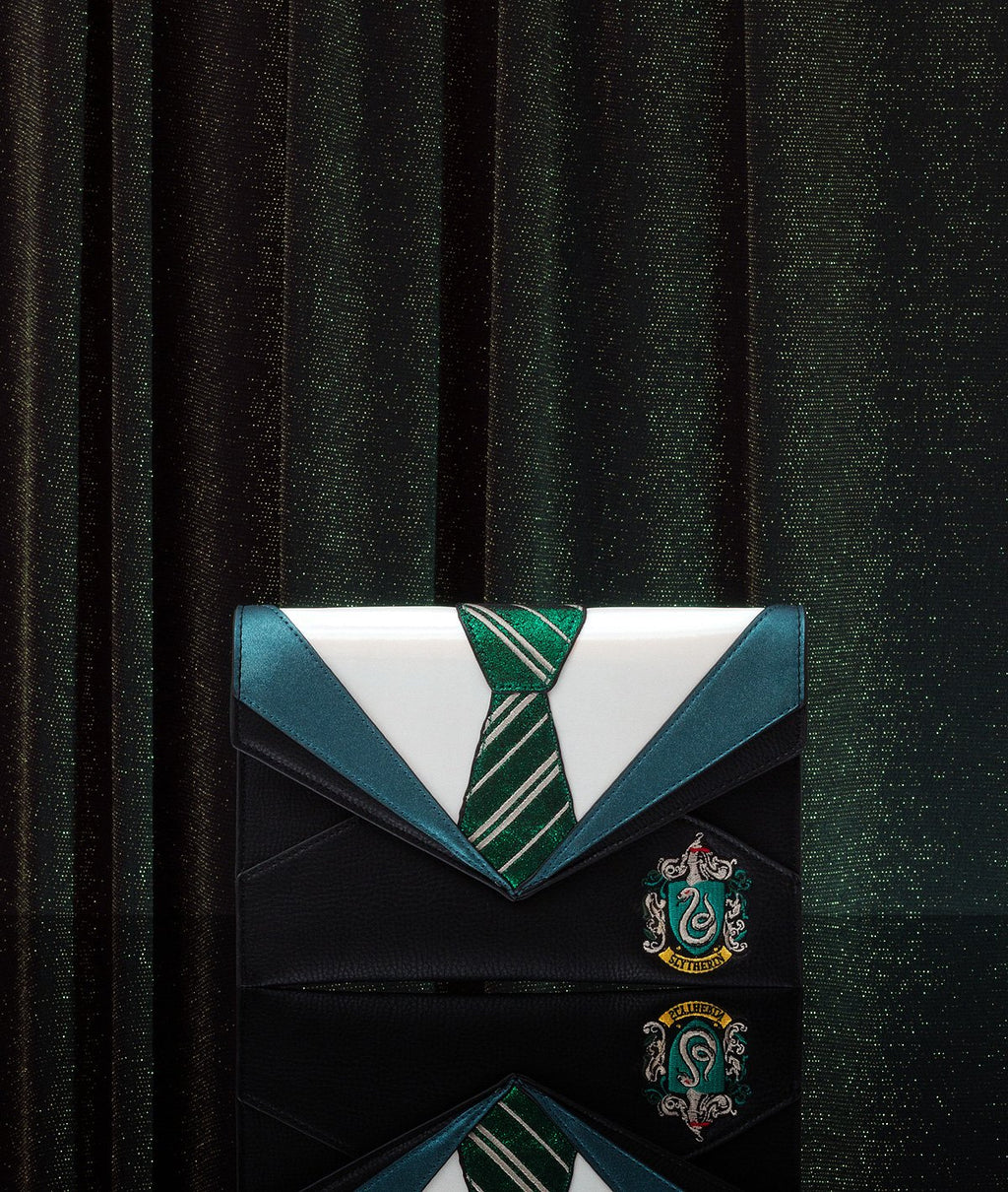 DN Slytherin Uniform Clutch