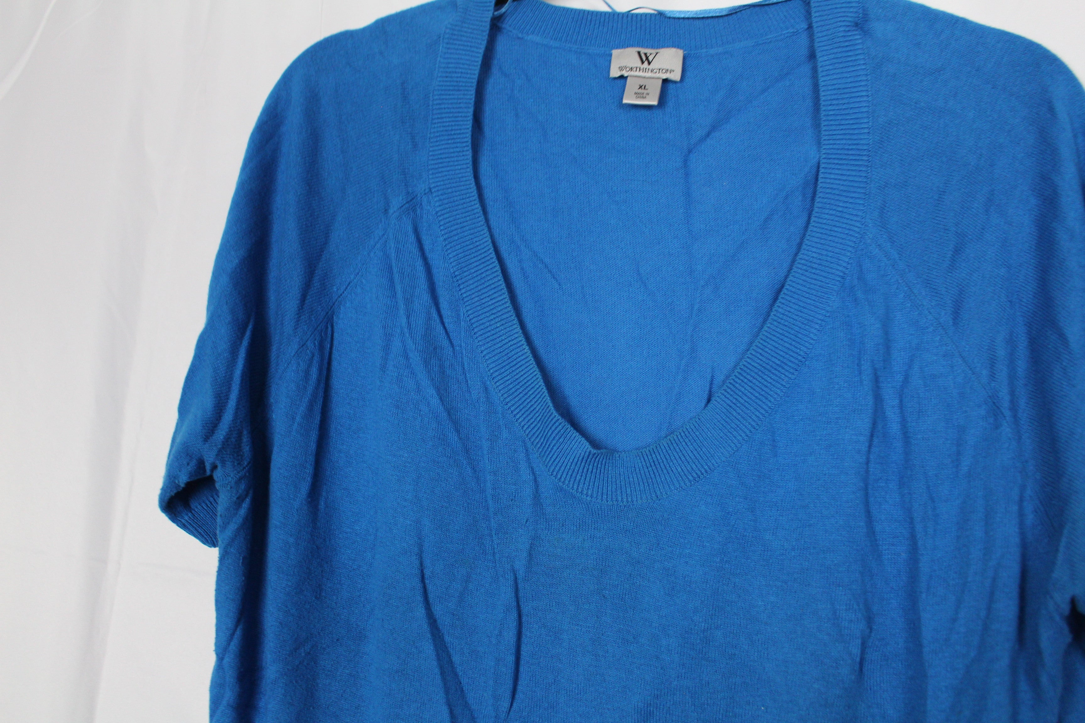 CLOSET SALE: V-Neck Short Sleeve Sweater- Size XL