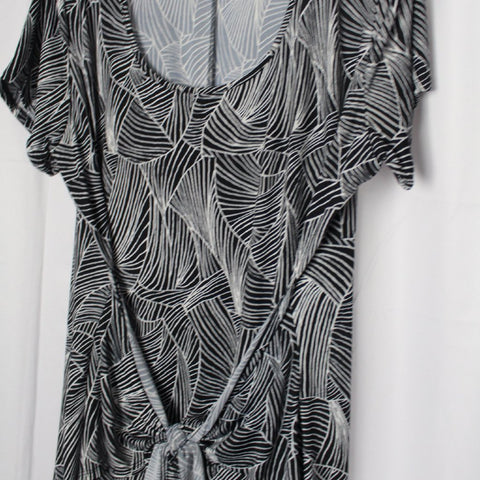 CLOSET SALE: Tie-Front Dress - Size 2X